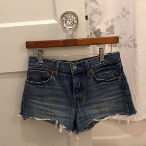 LEVI'S🌼 HIGH WAISTED WEDGIE JEAN SHORTS